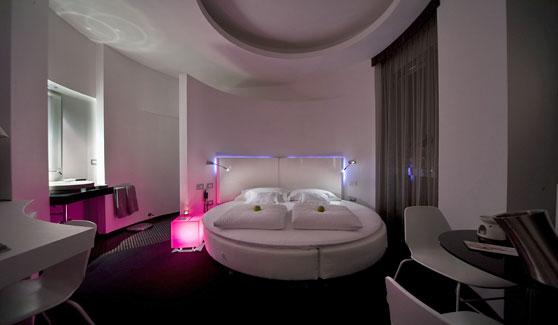 Hotel Letto Rotondo.11 Omegarredi